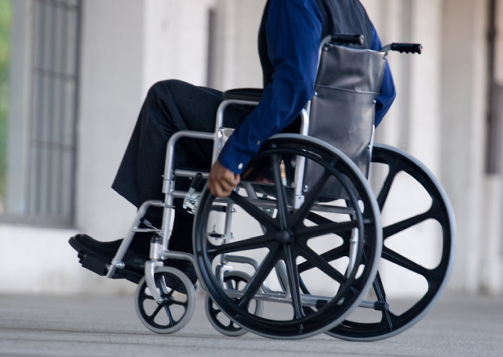 omg man in wheelchair robs new york bank gets away