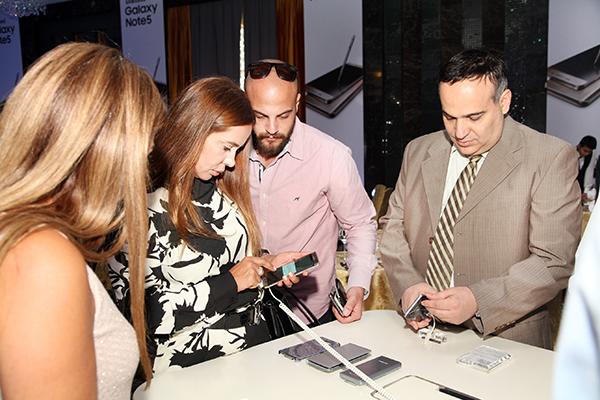 Samsung unveils new smartphones
