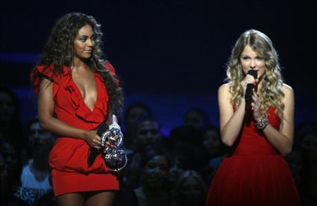 Taylor Swift Tells Sold-Out Staples Center Crowd, 'I'm Kind of in Love With You'