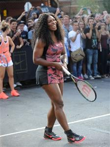 Serena Williams shrugs off US Open jitters for karaoke