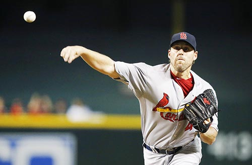 Lackey pitches Cards to win