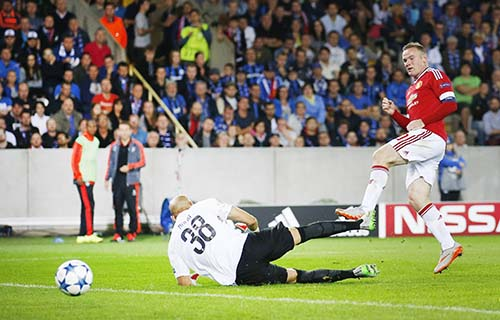 Manchester United power past Brugge