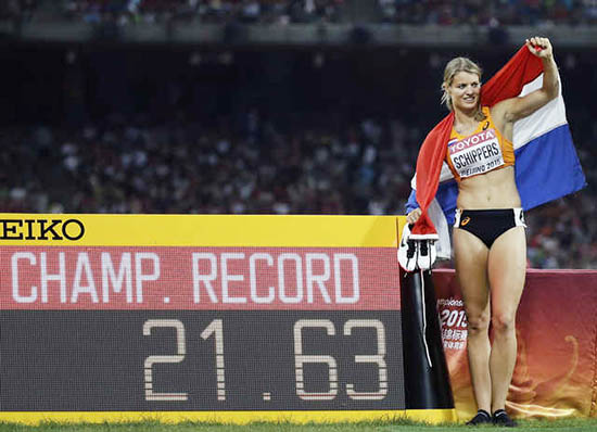 Dafane Schippers wins 200m in style