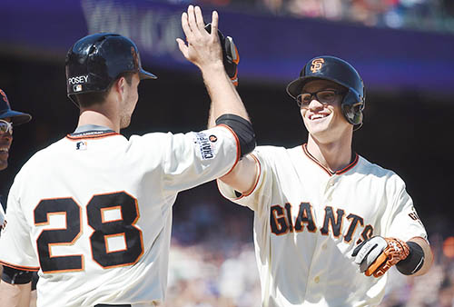 Giants crush Chicago Cubs