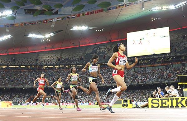 Allyson Felix wins 400m gold in style