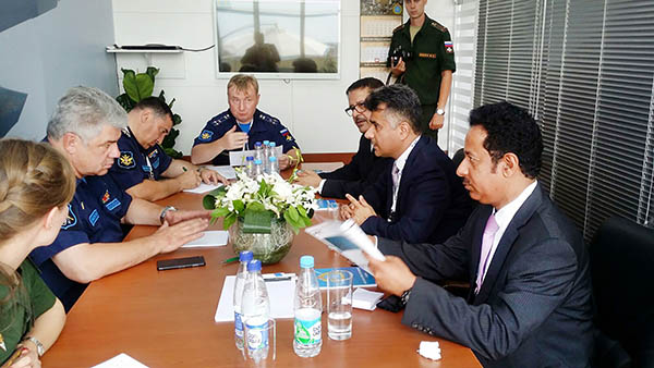 Air show accords with Russian firms signed