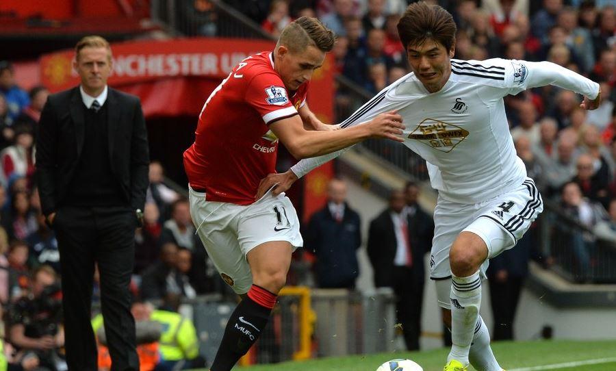 Premier League: Swansea City shock Manchester United