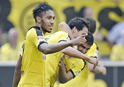 Dortmund reclaim top spot