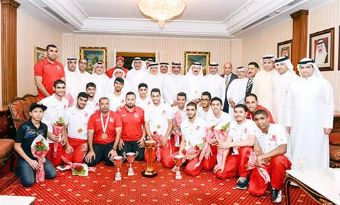 Bahrain Volleyball team return to heroes' welcome