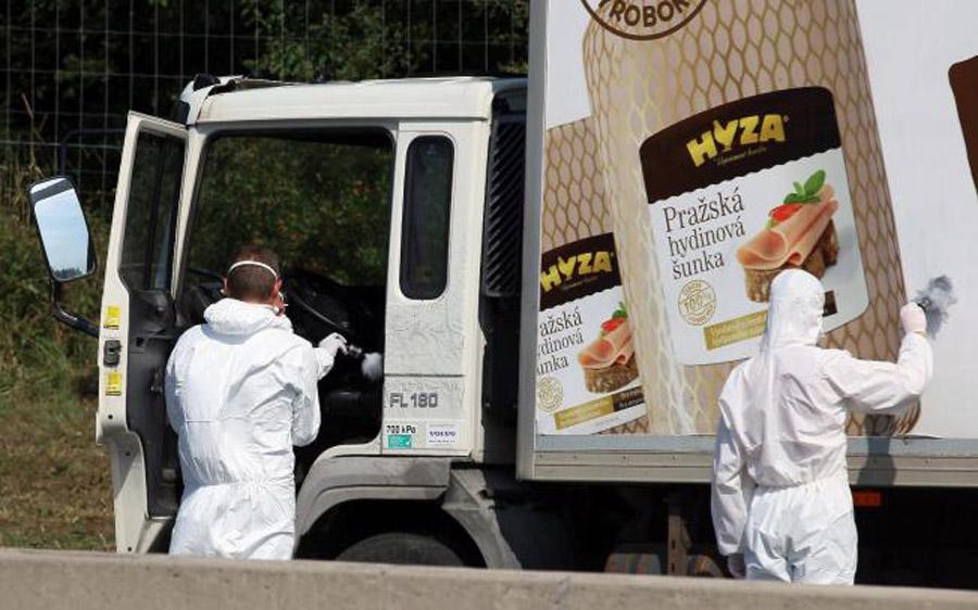 Austria cracks down on smugglers, motorway to Vienna jams