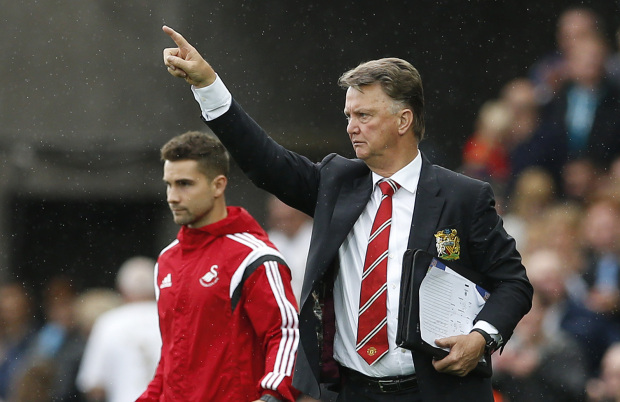 Premier League: Manchester United hamstrung by transfer chaos