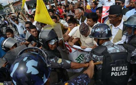 Nepal police kill 5 protesters demanding new state