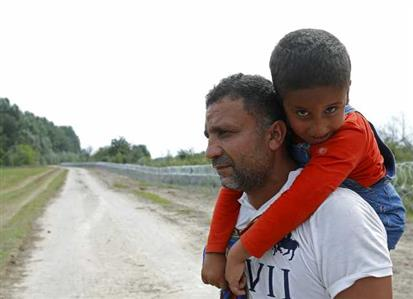 Bring in more refugees, Icelanders tell government