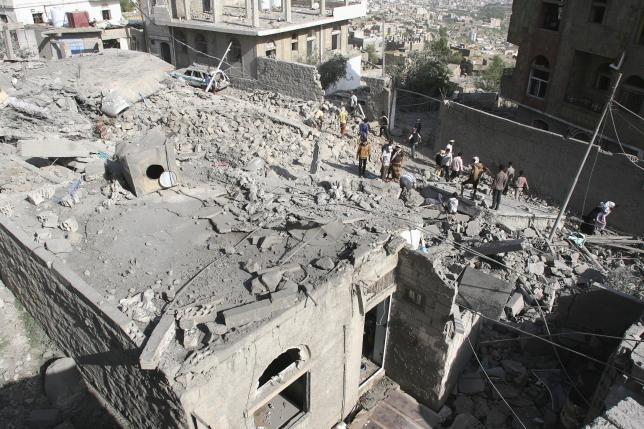 Civilians pay heavy price in Yemen's Taiz as health care collapses