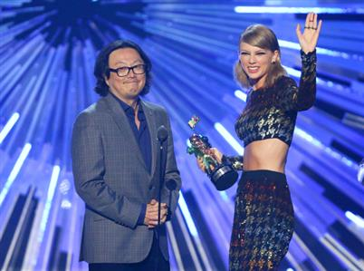 Director hits back at critics of Taylor Swift's African video