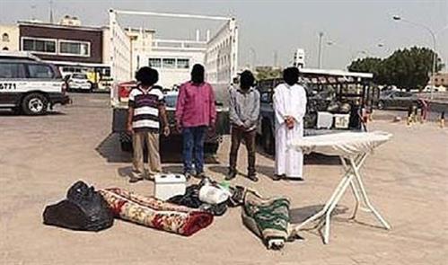 Kuwait: Four member gang arrested for a throwing smoke bomb in Farwaniya