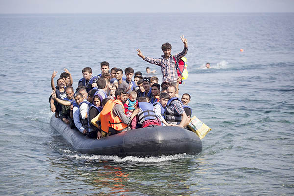Syrian migrants give up hope of returning to war-torn country