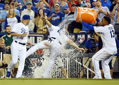 Kansas City rout Detroit