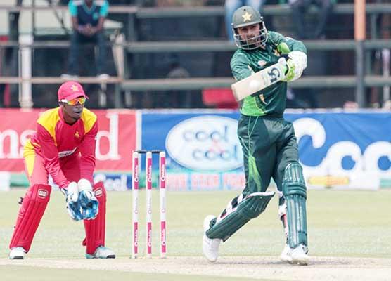 Zimbabwe edge Pakistan in thriller