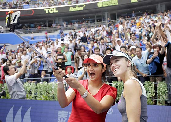 Mirza and Hingis win seventh title
