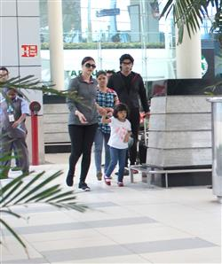 In Pics: Aishwarya Rai spotted with daughter Aaradhya at airport