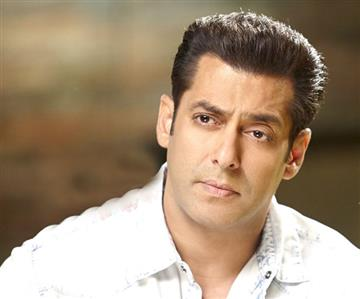 Salman Khan's female fans robbed him at a night club