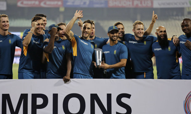 South Africa takes series 2-0 after final T20 game abandoned