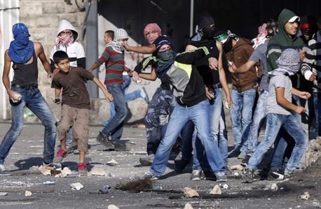 Unrest spreads to Gaza as Israeli troops kill six Palestinians