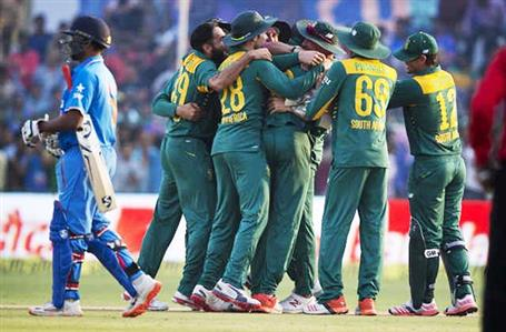 South Africa edge India in a thriller