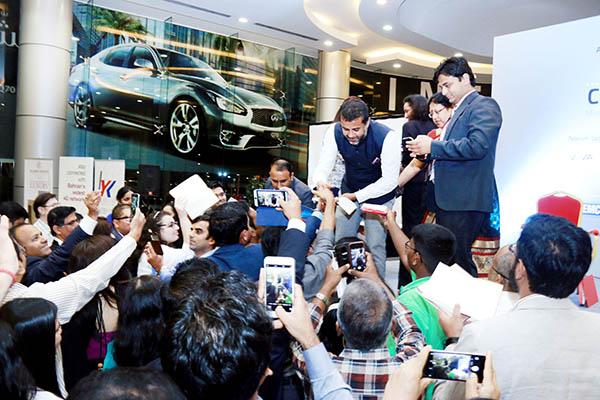 Indian author Chetan Bhagat enthrals fans