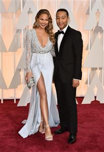 John Legend, Chrissy Teigen announce pregnancy