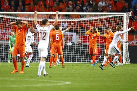 Euro 2016: Czechs shatter Dutch dreams