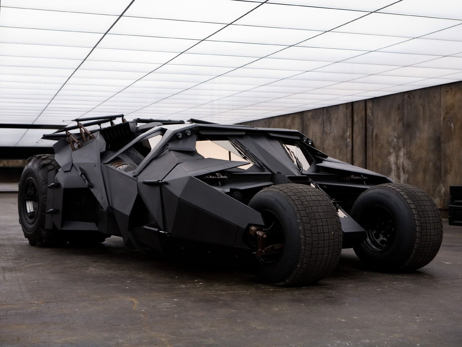 Middle East News: UAE: Batman's Tumbler Batmobile replica for sale in Dubai for $1M!