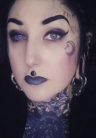 OMG: Eyeball tattooing is in vogue in Australia, even at the risk of blindness, cancer!