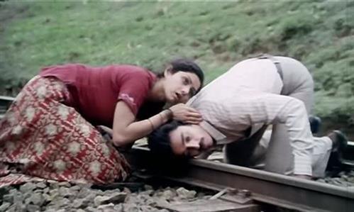 Kamal Haasan-Sridevi starrer 'Sadma' to be remade