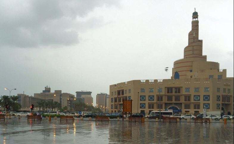 Qatar: Heavy rains flood Doha