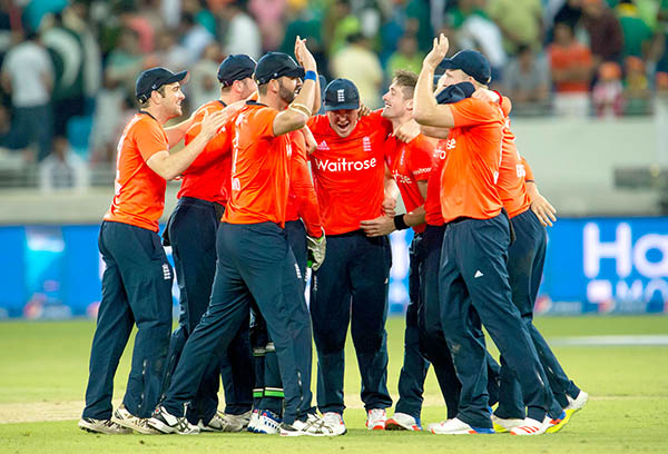 England win T20 opener against Pakistan