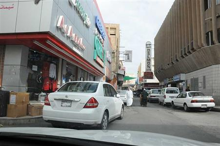Public car parks move in Manama schools rejected