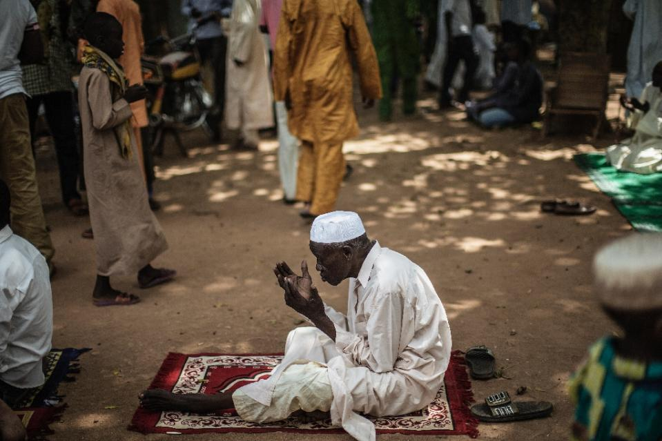 Fear haunts besieged Muslim district of Central Africa ahead of pope's visit