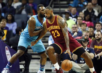 James leads Cavaliers past Hornets
