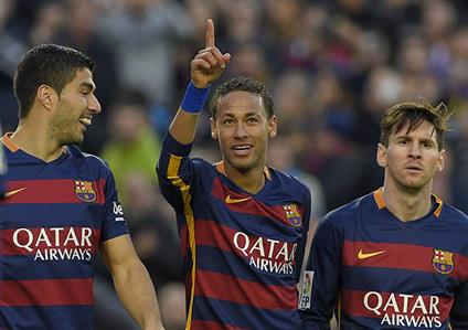 Neymar hits double as Barcelona sink Sociedad