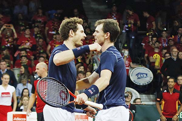 Murray brothers move Britain closer to title
