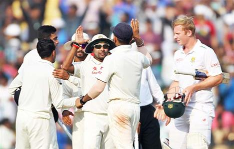 Shastri blasts pitch critics