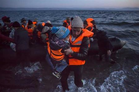 Turkey detains 1,300 migrants in swoop after EU deal