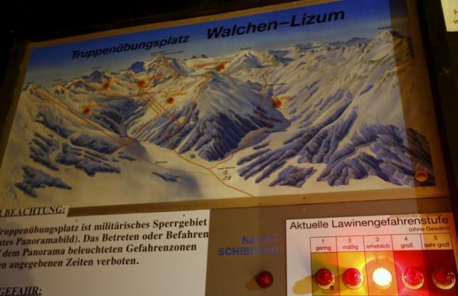 Five Czechs killed as huge Austrian avalanche buries 17