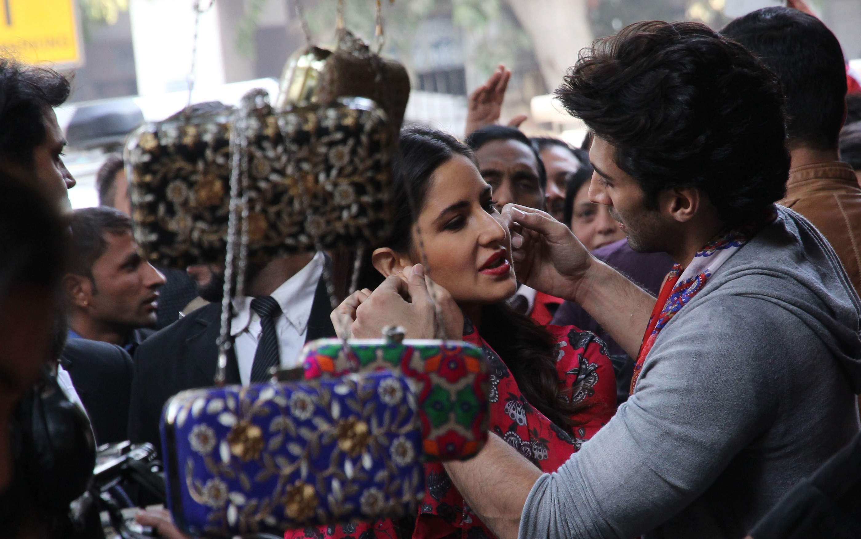 Bollywood: Katrina Kaif and Aditya Roy Kapoor shop together at Delhi's Janpath