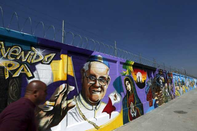 Decrying graft, Pope to tour poor, violent corners of Mexico