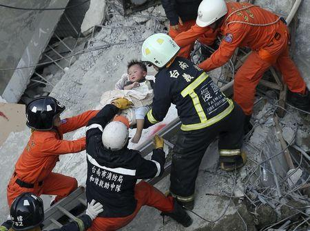 More rescued two days after Taiwan quake; toll could exceed 100