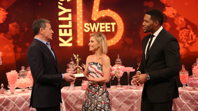 Disney Chief Bob Iger salutes Kelly Ripa on 'Live with Kelly and Michael'