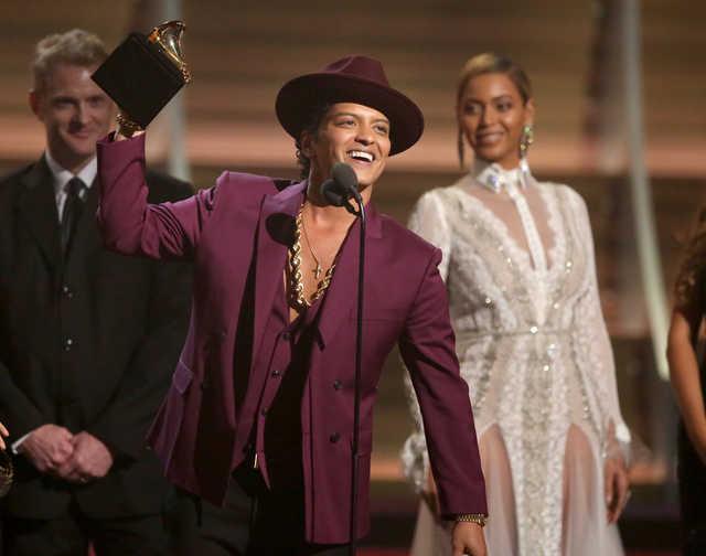 Celebs: Taylor Swift wins top Grammy Award, Kendrick Lamar wins 5